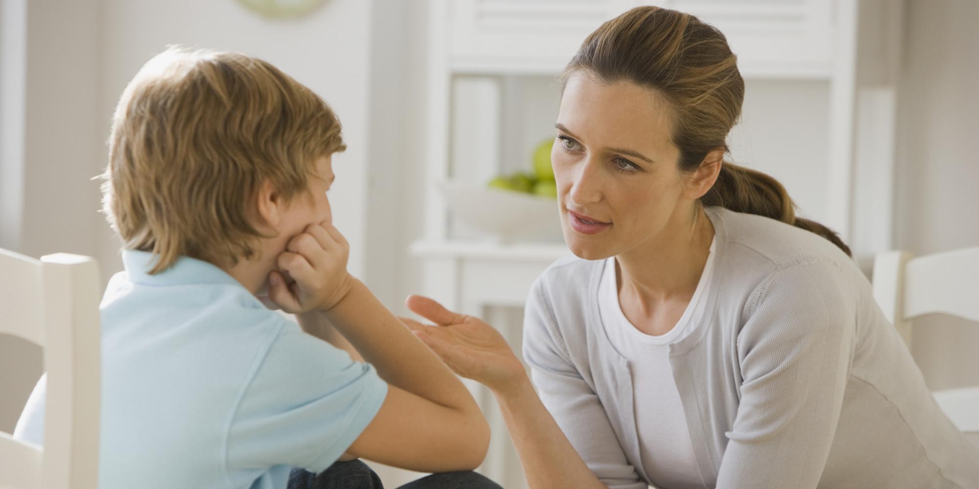 این یک ایده خوب است که با مهربانی کلمه درست و تلفظ صحیح آن را به بچهها بگویید.